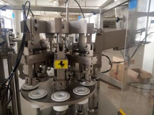 Full Automatic Tube Filling and Sealing Machine Tube Filling Machine pictures & photos