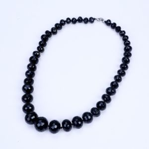 Graduate Shape From 10mm to 20mm Black Agate Necklace pictures & photos