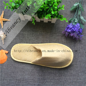 Custom Coral Fleece Slippers Wholesale Cheap Disposable Slippers pictures & photos