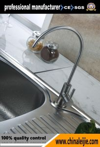 Stainless Steel Single Lever Kitchen Faucet pictures & photos
