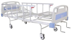 CE Certificate Two Cranks Manual Hospital Bed (SK-MB116) pictures & photos