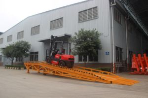 8 Ton Mobile Hydraulic Dock Yard Container Loading Ramp pictures & photos