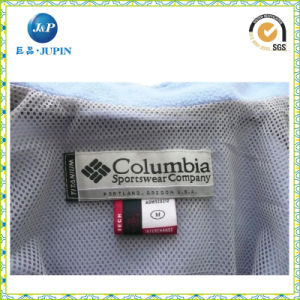 Custom Gold Logo High Density Polyester Woven Labels for Clothing (JP-CL149) pictures & photos