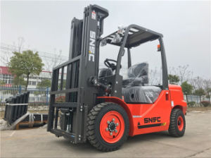 Zoomlion Fork Lift 3.5 Ton Diesel Forklift with Solid Tyre pictures & photos