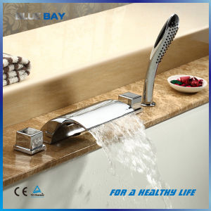 High Quality Brass Body 5 PCS Bathtub Faucet Tap Mixer pictures & photos