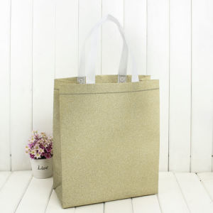Christmas Holiday Paper Gift Store Packaging Shopping bag in Stock pictures & photos