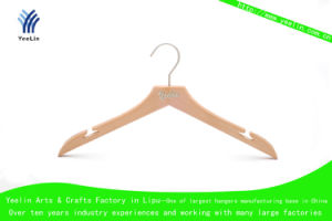 Wooden Clothes Hanger with T Shape Notches (YLWD6615-NTLTNS1) pictures & photos