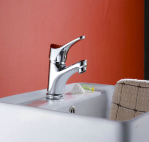 Single Hole Basin Faucet and Mixer pictures & photos