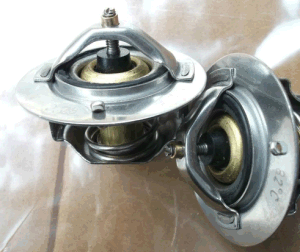 Bus Thermostat, Bus Spare Parts, Auto Parts, Thermostat pictures & photos