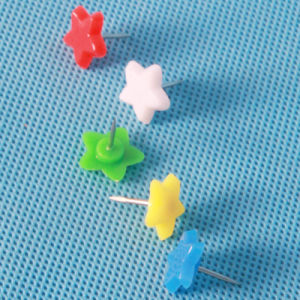 Coloured Plastic Star Push Pin (QX-HP007) 15mm Decoration pictures & photos