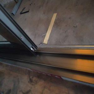 Best Selling Champagne Colour Aluminum Alloy Sliding Patio Door pictures & photos