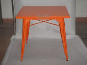 Tolix Dining Table Restaurant Furniture Industrial Steel Table pictures & photos