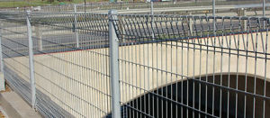 High Quality PVC Coated Brc Wire Mesh Fence China Supplier pictures & photos