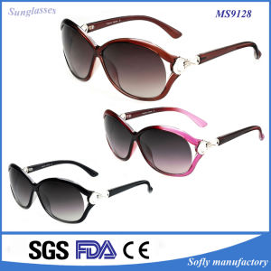 Fashion Sunglasses Style Brown Lenses Color Women Age Sunglasses pictures & photos