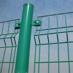 Anping Double Sides Bending Mesh Fence pictures & photos