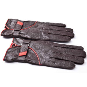 Men Fashion Wrinkled Sheepskin Leather Driving Gloves (YKY5185) pictures & photos