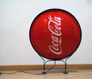 Round Outdoor Strong Sound Round Shape Silk Print Advertising Acrylic Signs pictures & photos