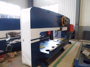 CNC Punch Press Machine/Punching Machine T30 pictures & photos