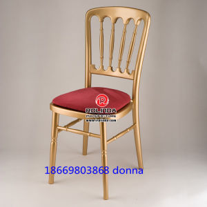Hot Sale Wooden Chateau Chair pictures & photos