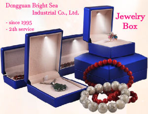 Wholesale Jewellry Boxes with LED Lights pictures & photos
