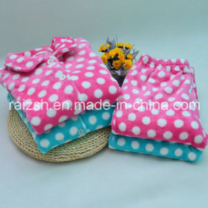 Supersoft Flannel Bathrobe Pajamas for Ladies pictures & photos