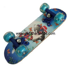 Mini Skateboard with PVC Flashing Wheel (YV-1705B) pictures & photos