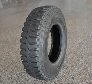 B-1 Lug Front Tractor Tyre (4.00-8 4.00-12 4.00-16 4.50-14 4.50-16 5.00-16 5.50-16 6.00-16 6.50-16 7.50-16 7.50-20) pictures & photos