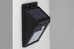 LED Outdoor Solar Security Garden Motion Sensor Wall Light 6PCS 8PCS LEDs pictures & photos