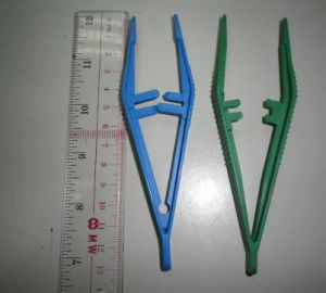 Disposable Medical Tweezer 13cm pictures & photos