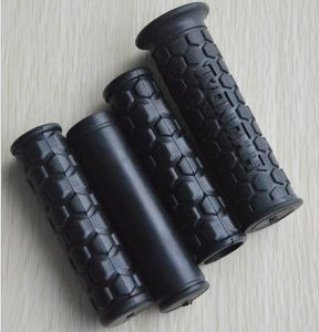Rubber Grips for Bikes and Motrobikes pictures & photos