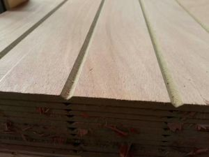 Factory-Slot Melamine MDF in 2.7mm 12mm 15mm 18mm pictures & photos