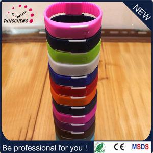 2015 Hot Sale Silicone Bracelet Sport Fashion Watch (DC-1127) pictures & photos
