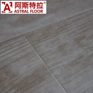 Factory Hot Selling Glueless Waterproof Indoor WPC Flooring pictures & photos