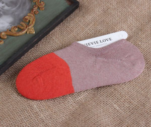 Spring Summer New Style Heavy Thread Non-Slip Silicone Boat Cotton Women′s Socks pictures & photos