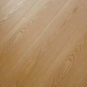 Laminated Floor of Registered Embossed Surface pictures & photos