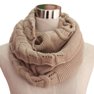 Ladies Fashion Acrylic Knitted Infinity Scarf (YKY4193-2) pictures & photos