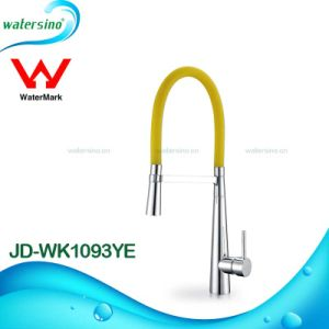 Watermark Sink Faucet Kitchen Mixer with Colorful Hose pictures & photos