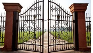 Beautiful European Style Wrought Iron Gate pictures & photos