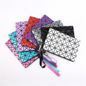 2017 New Cosmetic Bag Creative PU Triangle Dumpling Bag (GB#00568) pictures & photos