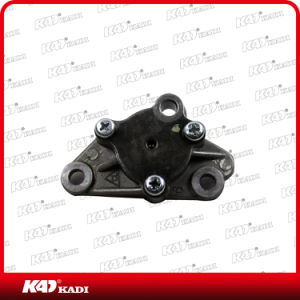 Chinese Motorcycle Engine Parts Motorcycle Oil Pump for Wave C100 pictures & photos