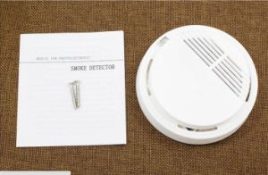 10 Year 12V Lithium Battery Wired Smoke Alarm Sensor pictures & photos