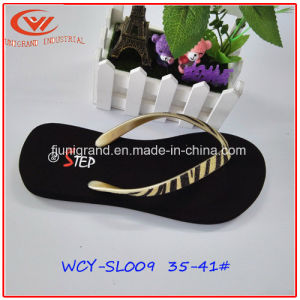 Female Fashion EVA Flip Flops Durable PVC Slipper for Women pictures & photos