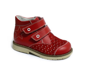 Children Comfortable Stability Shoes Leather Corrective Shoes pictures & photos