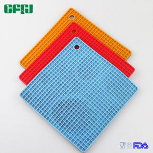 BPA Free Cell Pattern Square Shaped Food Grade Silicone Mat Placemat Potholder pictures & photos
