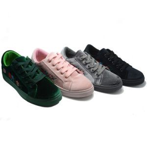 New Design Suede Various Classical Student Rubber Canvas Shoes Footwear pictures & photos