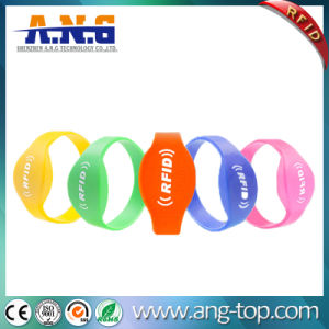 Waterproof Hf RFID Silicone Fashion Bracelet for Swimming Pool pictures & photos