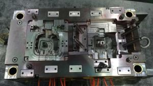 Car Automobile Plastic Injection Mold Mould Tooling pictures & photos