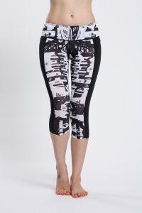 Sports Capris Leggings Compression Womens Nylon Spandex Yoga Pants pictures & photos