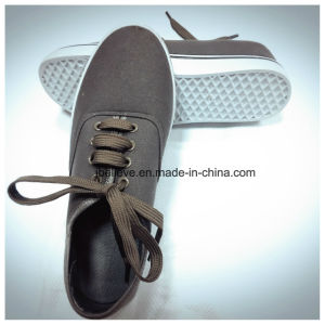 Dark Brown Color Flat Working Footwear pictures & photos