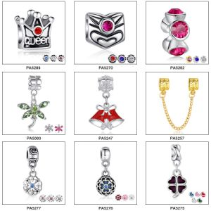 DIY Mixed Christmas Designs Alloy Christmas Charms pictures & photos